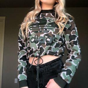 Cropped Adidas camo hoodie